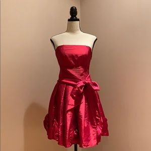 Romeo and Juliet Couture Small Strapless Red Dress